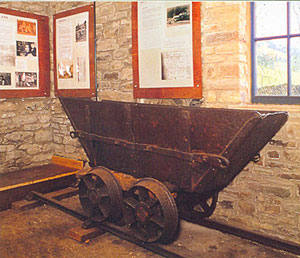 Miners tub from the Brandy Bottle mine ©Stephen Calvert