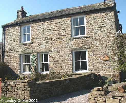 Ivelet Cottage ©Lesley Close 2002