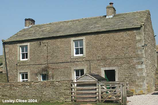 House at Ravenseat ©Lesley Close 2004