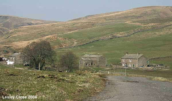 Ravenseat Farm ©Lesley Close 2004